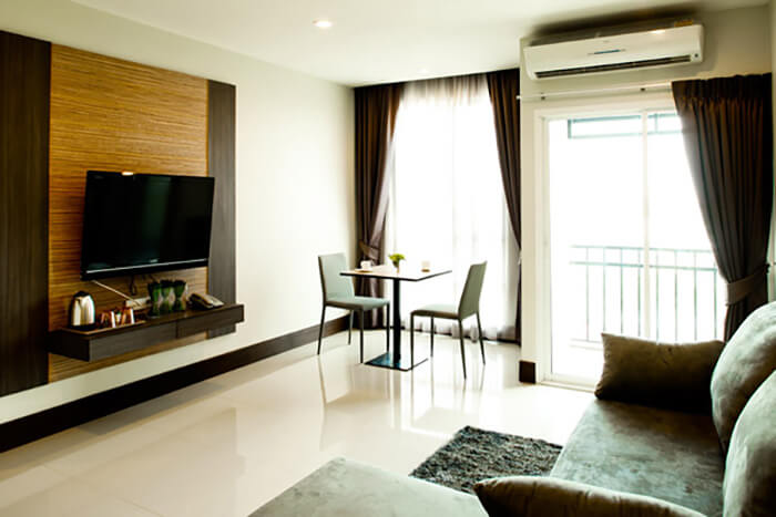Crystal Suites Suvarnabhumi Airport: Exclusive Suite