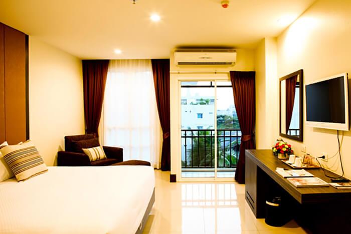 Crystal Suites Suvarnabhumi Airport: Premium Room
