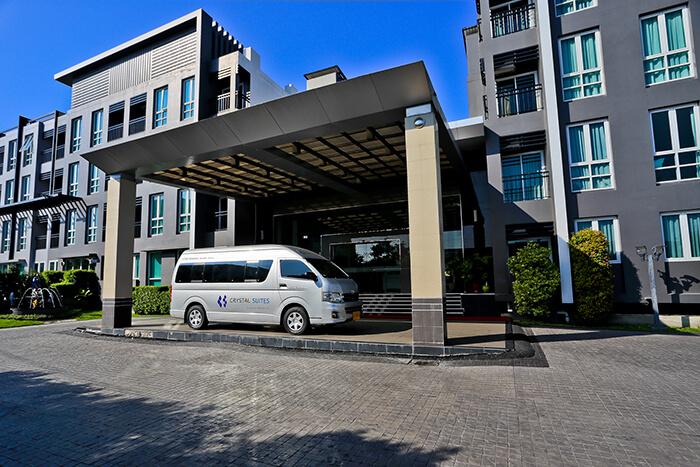 Crystal Suites Suvarnabhumi Airport: Swimming Pools